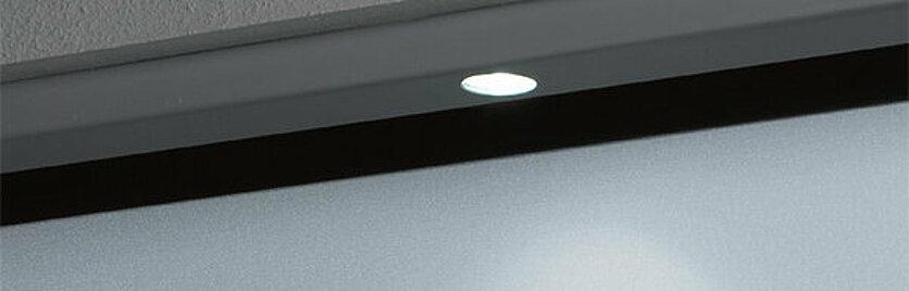 Garagen-Schwingtor Beleuchtung